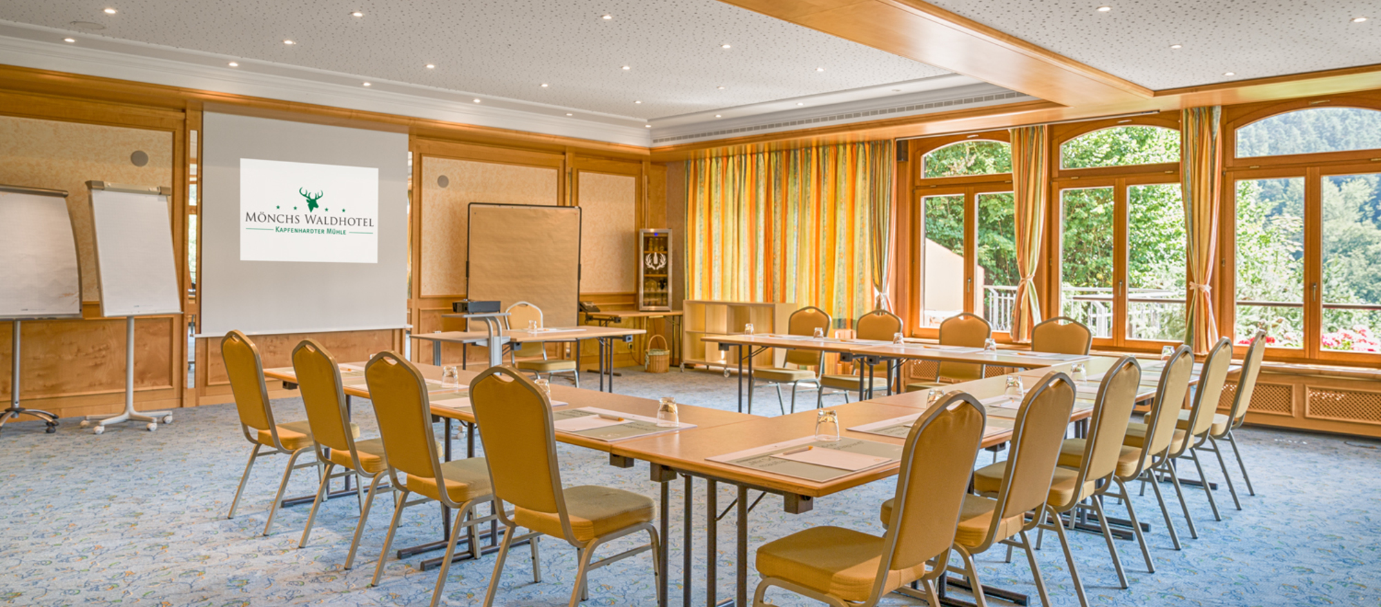 Brightly and modern furnished meeting-rooms at the Ringhotel Moenchs Waldhotel, 4-star hotel  in Unterreichenbach