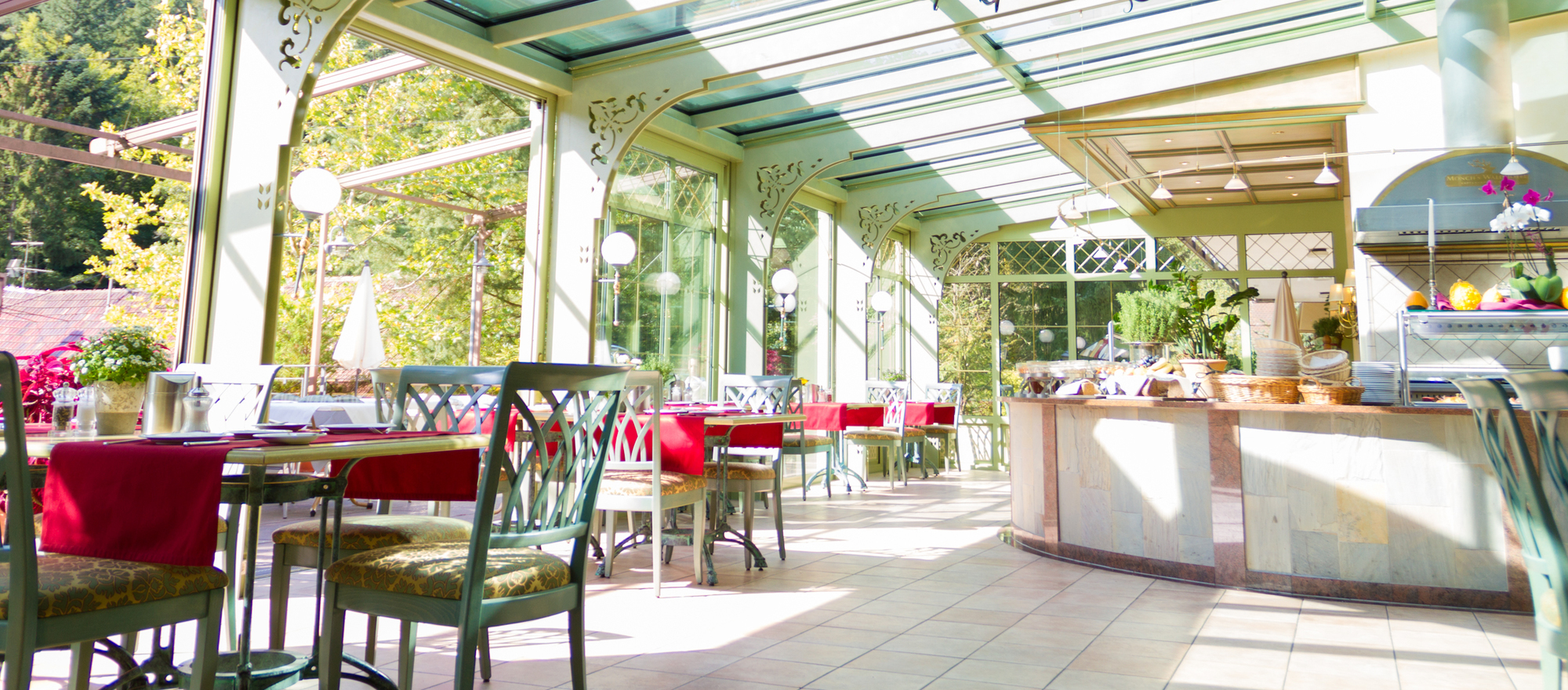 Daily breakfast buffet in the winter gardes at the Ringhotel Moenchs Waldhotel, 4-star hotel  in Unterreichenbach