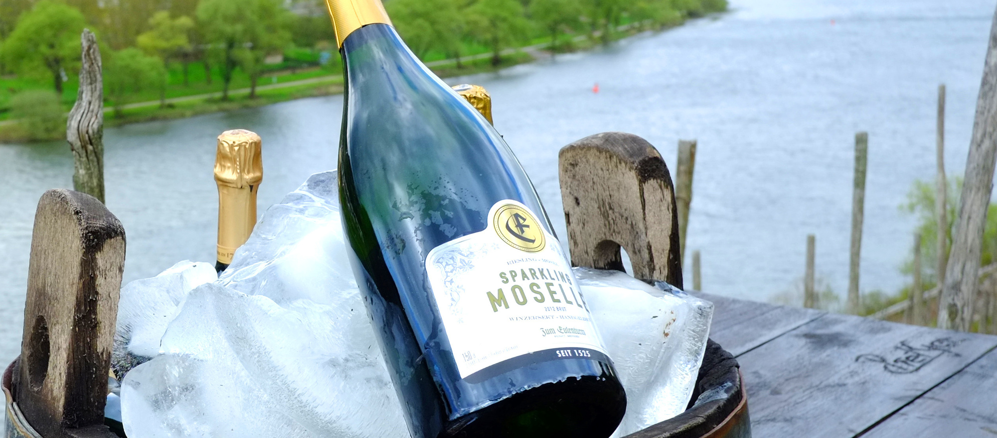Sparkling Wine put on ice at the Ringhotel Boemers Moselland, 3-star-superior hotel in Alf/Mosel
