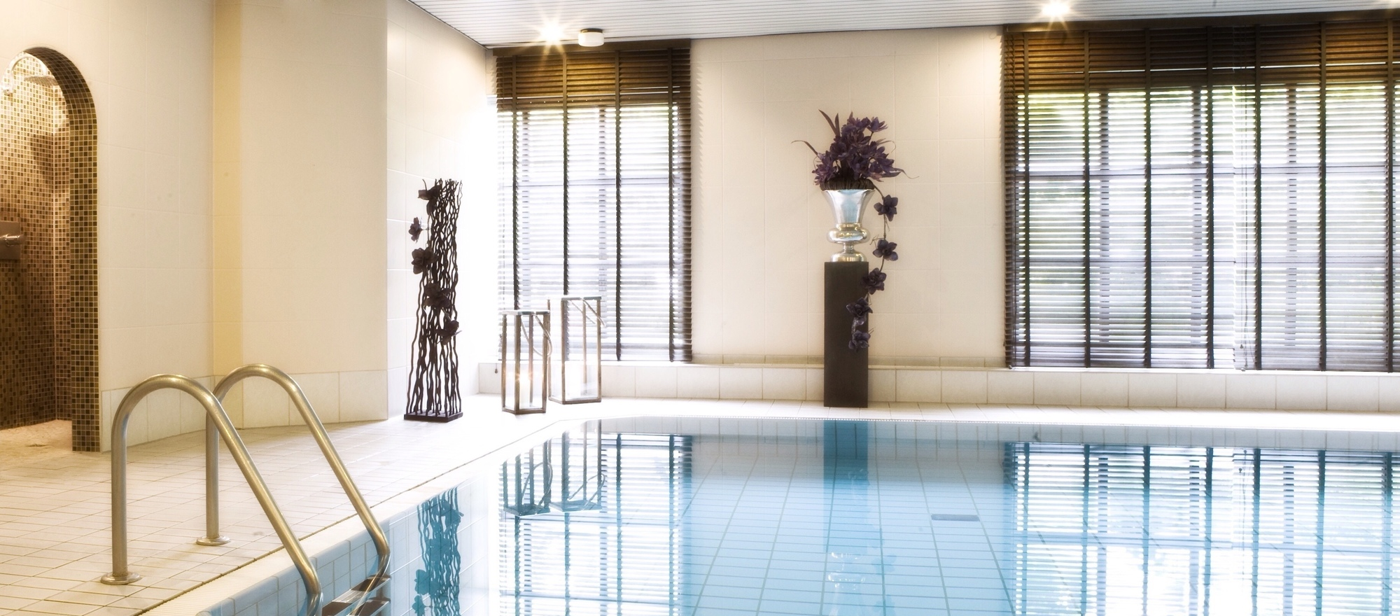 Beautiful modern swimming pool in the 4-star hotel Ringhotel Nassau-Oranien in Limburg/Hadamar