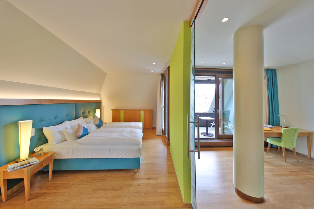 A lot of space in the comfortable and modern furnished suite in the 4-star-superior hotel Ringhotel Hohenlohe in Schwaebisch Hall