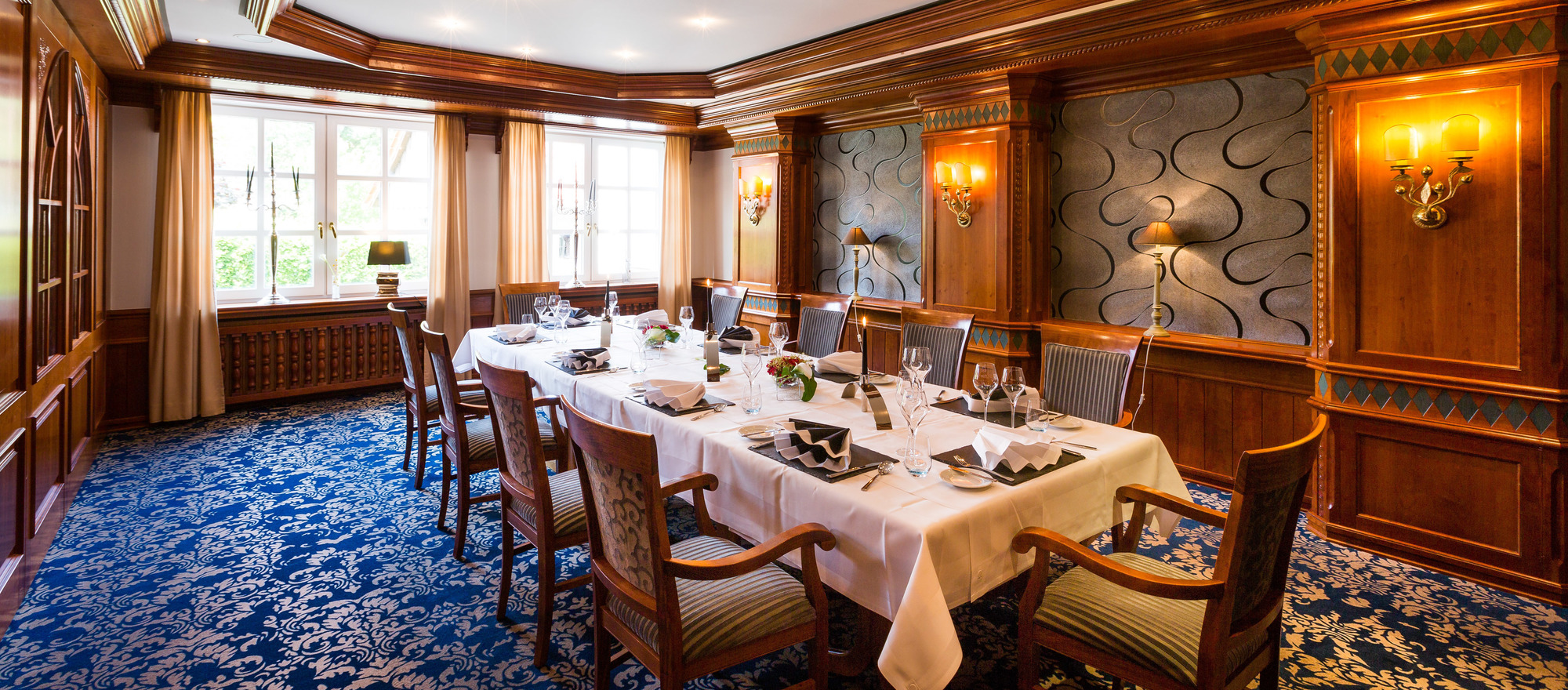 Restaurant in the 3-star hotel Ringhotel Germanenhof in Steinheim-Sandebeck
