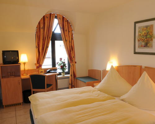 Inviting double rooms in the Ringhotel Posthof garni, 3-star superior hotel in Saarlouis
