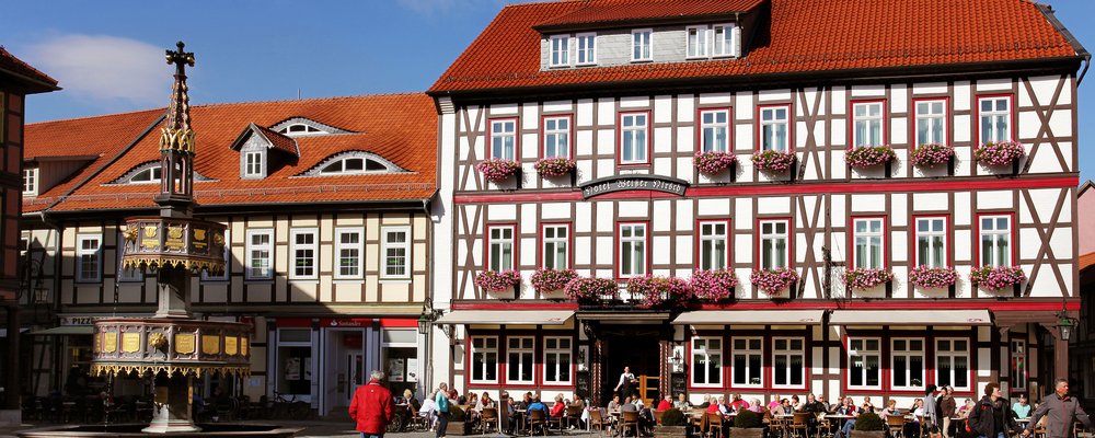 The 4-star hotel Ringhotel Weißer Hirsch in Wernigerode is one of the oldest remaining hotels in Saxony-Anhalt