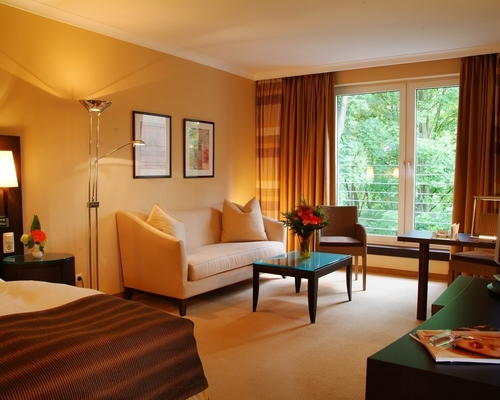 Spacious, absolutely quiet, individual designed rooms at the 4-star Ringhotel Waldhotel Heiligenhaus in Heiligenhaus
